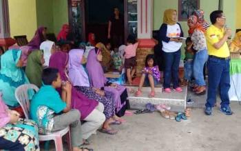 Ratusan mengikuti pengobatan massal gratis. Dalam kegiatan tersebut sekaligus juga dikukuhkan Kampung NURANI yang menandakan Kumai menjadi basis dan kekuatan besar Nurani di Pemilukada 15 Pebruari 2017.