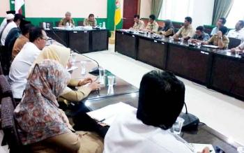 Rpat pembentukan pengelola Islamic Center yang dipimpin Asisten I Setda Katingan Jainudin Sapri, Senin (30/1/2017).