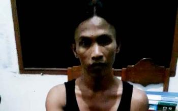 Tersangka pengedar sabu bernama Iman Wahyudi (40), yang ditangkap Satreskoba Polres Kotim.