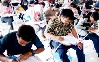 Calon Tenaga Kontrak Pemkab saat ikuti Tes Kompetensi Dasar, beberapa waktu lalu.
