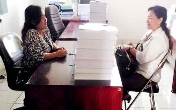 Lily Rusnikasi : Anggota DPRD Gunung Mas