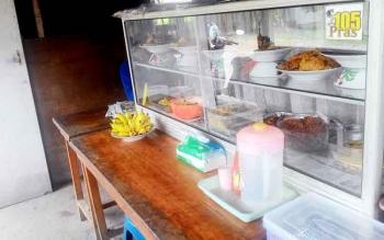 Pengusaha rumah makan keluhkan tingginya harga ikan dan sayur di pasaran. Inflasi ini membuat mereka harus puas dengan sedikit laba dari hasil jualan, Rabu (1/2/2017)