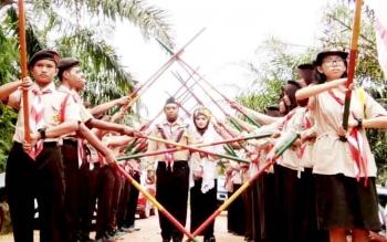 Unik, Pernikahan ala Pramuka di Lamandau