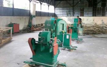 Puluhan mesin pengolah rotan di pusat industri dan kerajinan Hampangen sejauh ini tidak difungsikan.