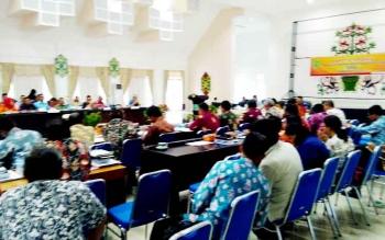 Rapat Pimpinan Tim Evaluasi Percepatan Realisasi Anggaran Kabupaten Pulang Pisau di Aula Bappeda, Kamis (2/2/2017).