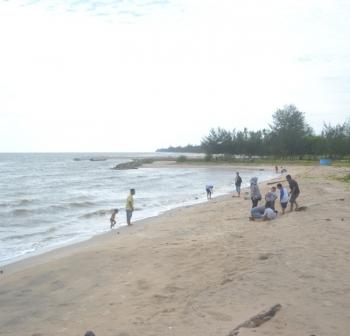 Pantai Anugrah di Desa Sungai Tabuk, Kecamatan Pantai Lunci, Kabupaten Sukamara.
