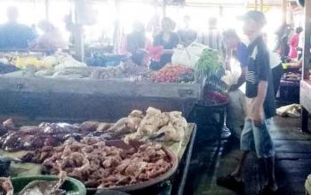 Suasana Pasar Sayur Ikan (Saik) Sukamara.