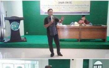 Kasat Narkoba Polres Palangka Raya AKP Gatoot Sisworo memberikan penyuluhan kepada peserta Pelatihan Kader Muda Taruna Melati II di Sekretariat Pimpinan Wilayah Muhammadiyah Kalteng, Senin (6/2/2016).
