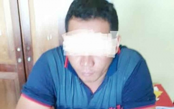 Tersangka pemilik narkoba, DIL, saat menjalani pemeriksaan di Polres Gunung Mas.