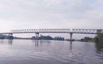 Jembatan Jelai penghubung Kabupaten Sukamara dengan Kabupaten Ketapang, Kalimantan Barat.