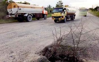 Jalan Tanjung Kalaf, salah satu titik jalan rusak di Tanjung Kalaf