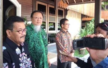 Anggota Komisi lX DPR RI Dapil Kalimantan Tengah, Hang Ali Saputra (dua kiri).