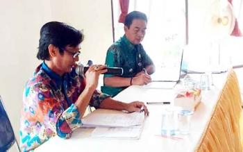 Palatihan Pengelolaan ADD, DD, pembuatan SPj dan Siskeudes bagi aparatur desa se-Kecamatan Teweh Tengah di Kantor Camat Teweh Tengah, Kamis (9/2/2017).