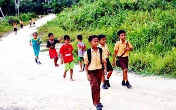 Anak Sekolah Kumai Seberang