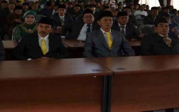 Para anggota DPRD Seruyan saat menggelar pertemuan dengan warga, beberapa waktu lalu. Pada 27 Februari mendatang, pihak legislatif akan menggelar dua pertemuan sekaligus dalam satu hari.