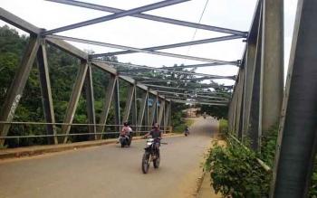 Jembatan Sanggahan yang berada di Jalan Viteran Kota Puruk Cahu.