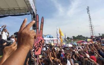 Kampanye salah satu pasangan calon kepala daerah yang akan bertarung di pilkada serentak 2017 di Kalimantan Tengah pada 15 Februari mendatang.