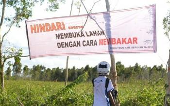 Imbauan larangan membakar lahan di Kuala Pembuang.