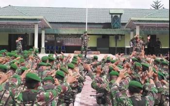 Sebanyak 4 SSK personel TNI dari Batalyon 642/Kapuas dan Batalyon 631/Antang dan Kodim 1014/Pbn diterjunkan dalam pengamanan pilkada Kobar.