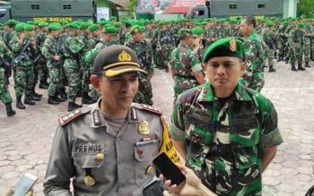 Kapolres Kobar, AKBP Pria Premos saat gelar pasukan di Makodim 1014 Pangkalan Bun, Selasa (14/2/2017).