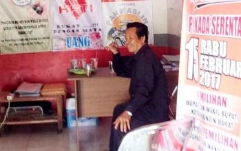 Ketua Panwaslih Kobar, Triyoyo Hepi di kantor Gakkumdu, Selasa (14/2/2017).
