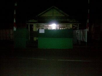TPS dalam kota Buntok gelap gulita tanpa ada pengamanan, Selasa (14/2/2017) malam