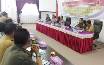 Rapat Koordinasi Penanganan Kebakaran Hutan dan Lahan di Aula Sekretariat Daerah Gunung Mas, Selasa (14/2/2017).