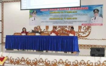 Rapat membahas Permendagri Nomor 75 Tahun 2013 tentang Batas Kota Palangka Raya dengan Kabupaten Gumas dan Permendagri Nomor 76 Tahun 2013 tentang Batas Kabupaten Kapuas dengan Kabupaten Gumas di GPU Damang Batu, Kamis (16/2/2017).