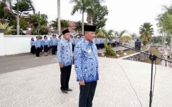 Bupati Lamandau Marukan saat memimpin apel Kesadaran Nasional.
