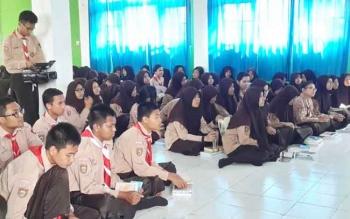 Puluhan pelajar SMAN 1 Pangkalan Bun tampak antusias mengikuti sosialisasi tentang empat pilar kebangsaan.
