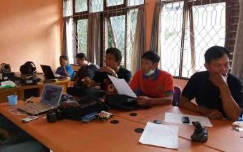 Aktivitas di sekretariat PWI Kabupaten Barito Utara.