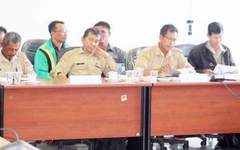 Empat kepala desa dari Kecamatan Seruyan Hilir Timur mengikuti hearing dengan jajaran DPRD Seruyan dan perwakilan PT SWP, Senin (20/2/2017).