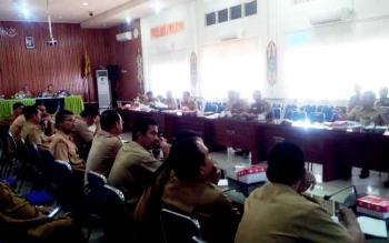 Suasana saat rapat koordinasi Tim Satgas Adipura di Auala Bappeda Kapuas.