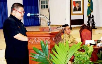 Ketua DPRD Barito Utara Set Enus Y Mebas menyampaikan pokok pikiran legislatif dalam Rapat Kerja Pemerintahan dan Pembangunan 2017 di Balai Antang, Muara Teweh, Selasa (21/2/2017).