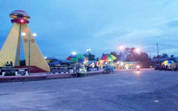 Kawasan Bundaran Tudung Saji saat ini menjelma menjadi kawasan ekonomi dan ramai dikunjungi warga.