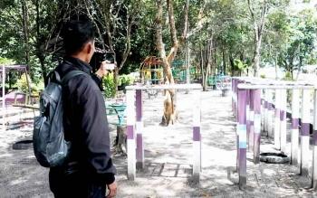 Taman Hijau Kasongan, Kabupaten Katingan, saat siang hari.