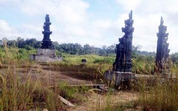 Kondisi pura yang berada di Jalan Jenderal Sudirman Seberang, Kota Puruk Cahu, Kabupaten Murung Raya, cukup menyedihkan.