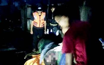Jasad julia yang dikeluarkan dari dalam drum oleh pihak kepolisian