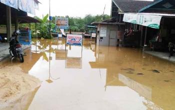 Lokasi penyeberangan feri diKuala Kurun terendam air, Kamis (23/2/2017)