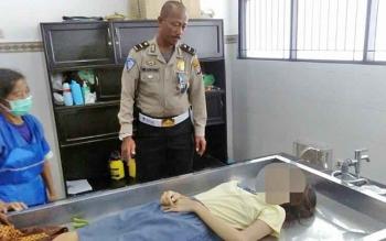 Jasad korban saat disemayuamkan di kamar mayat RSUD dr Doris Sylvanus Palangka Raya, Rabu (22/2/2017)