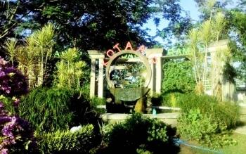Salah satu taman yang bertuliskan Kota Air di Kuala Kapuas.