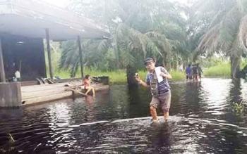 Desa Tambak Bajai Kecamatan Dadahup yang menjadi langganan banjir setiap tahun saat musim hujan.