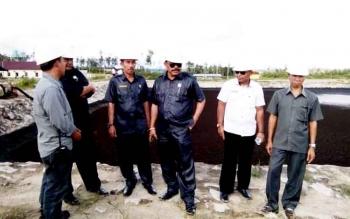 Sejumlah anggota DPRD saat menyampaikan rencana pemanggilan perusahaan terkait polemik bau limbah.