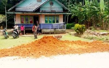 Rumah Damang Kepala Adat Kecamatan Katingan Tengah, Isay Djudae inilah yang bakal dijadikan tempat acara pernikahan gaib antara Sri Baruno Prameswari dengan Panglima Burung (Panglima Dayak).