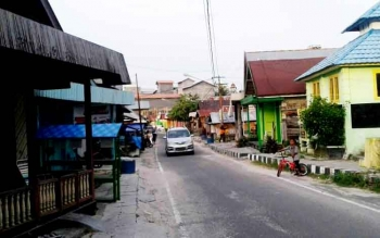 Jalan Setia Yakin, Kelurahan Mendawai salah satu lokasi padat penduduk.