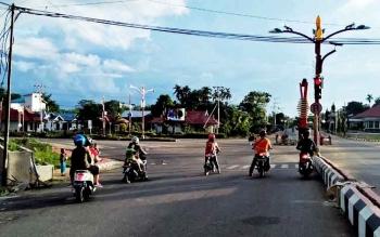 Suasana lalu lintas di Kota Puruk Cahu.