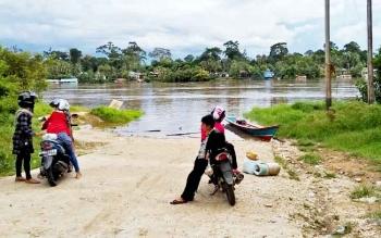 Kondisi sungai di Desa Muara Untu, Kecamatan Murung, Kabupaten Murung Raya .