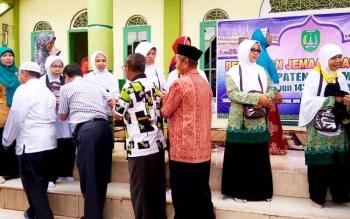 Pelepasan jemaah calon haji Kabupaten Sukamara di Masjid Al Aqsa, Kota Sukamara, pada tahun lalu.