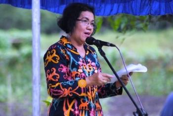 Staf Ahli Bidang Pemerintahan Pemprov Kalimantan Tengah, Agustina Dewel