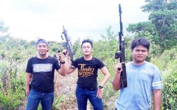 Anggota reskrim Kobar memburu pelaku di sekitar kawasan Pangkalan Lima.